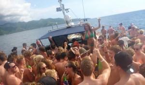 party-boat-gili-trawangan