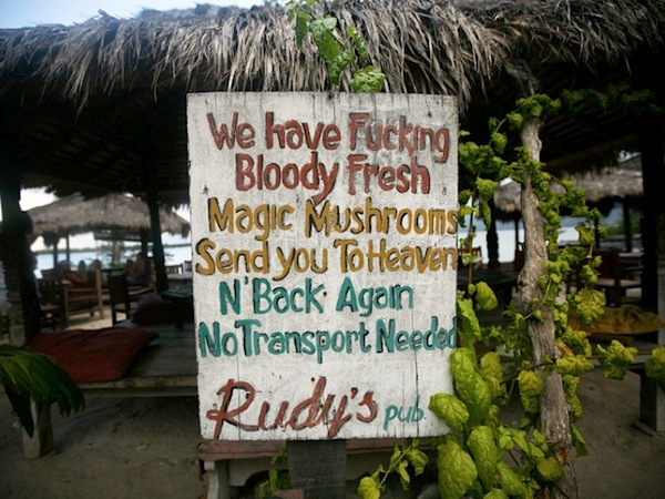 gili trawangan nightlife rudys bar